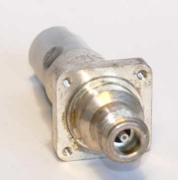 N aljzat szerelhető, karimás (4x3mm) CU2Y kábelhez