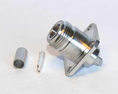 N aljzat crimpelhető, karimás (4x3mm) RG-58 kábelhez